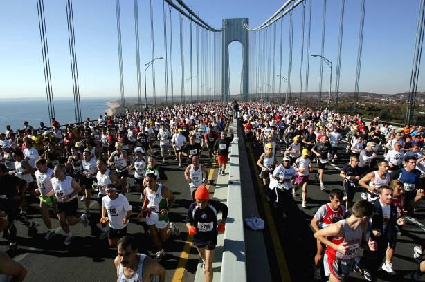 Miles de corredores durante una maratón de New York. FOTO: http://www.massagewilliamsburg.com/